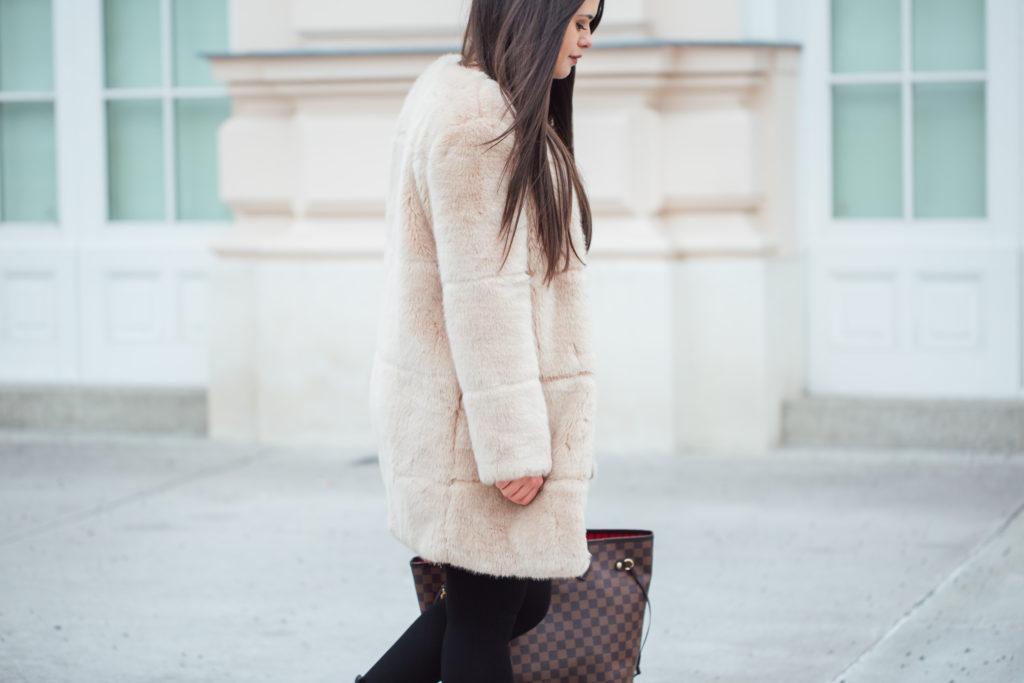 Fake Fur Mantel Zara